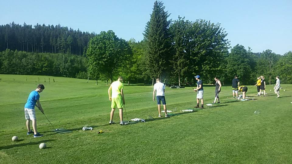 Škola na golfu