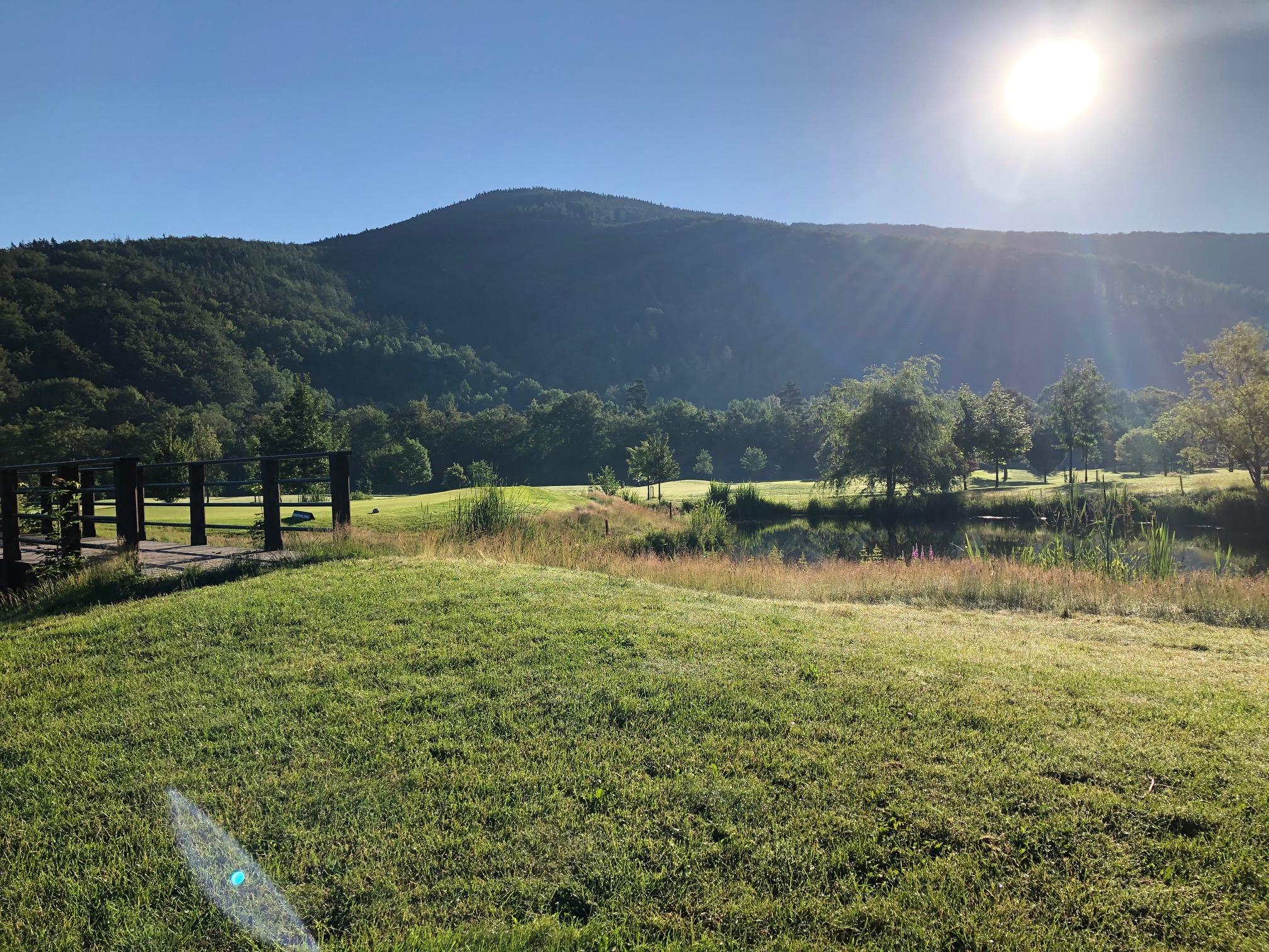 Nejkrásnější rána jsou na golfu!